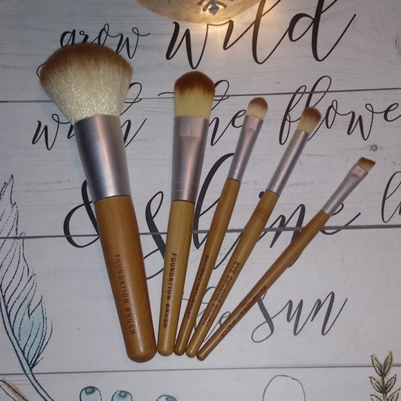 727d82578432 Bamboo naturals makeup brush set
